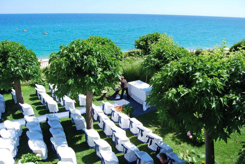 la localización : sobre  de la Playa de Fenals